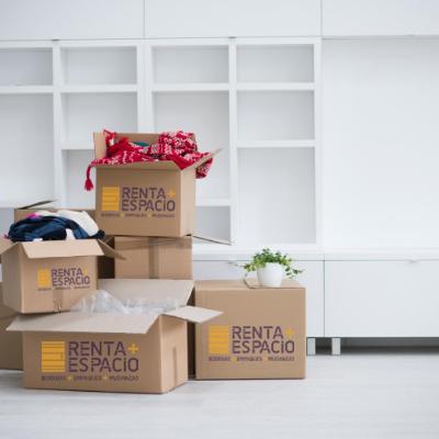 Almacenamiento en cajas reutilizadas