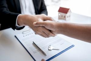 Alquilar o comprar una casa, acuerdo