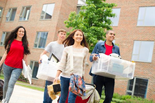 bodegas de almacenamiento para estudiar en el extranjero