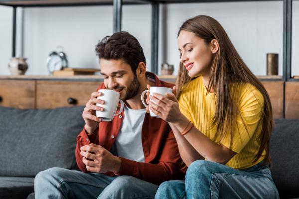 Hablar con su pareja al mudarse