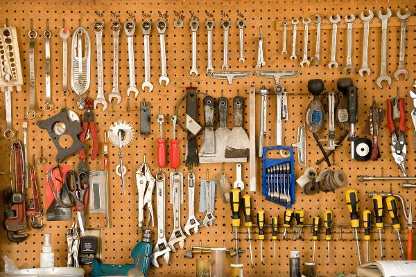 Almacenar y colgar herramientas